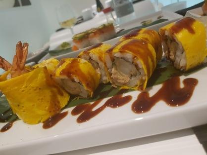 Gambero fritto in tempura,frittata,olio al tartufo,lattuga,salsa zushi