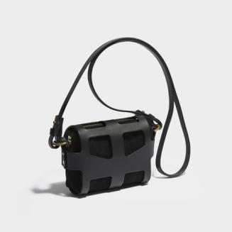 La borsa Tiny Cage Black O-ring -CLASSIC O-RING TINY CAGE BAG BLACK €896.94